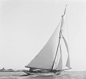sailboat-wayward-1890-bw-padre-art
