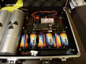 Defusable-Alarm-Clock-Bomb-in-Briefcase
